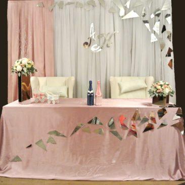 Оформление свадьбы в ресторане «Vania»