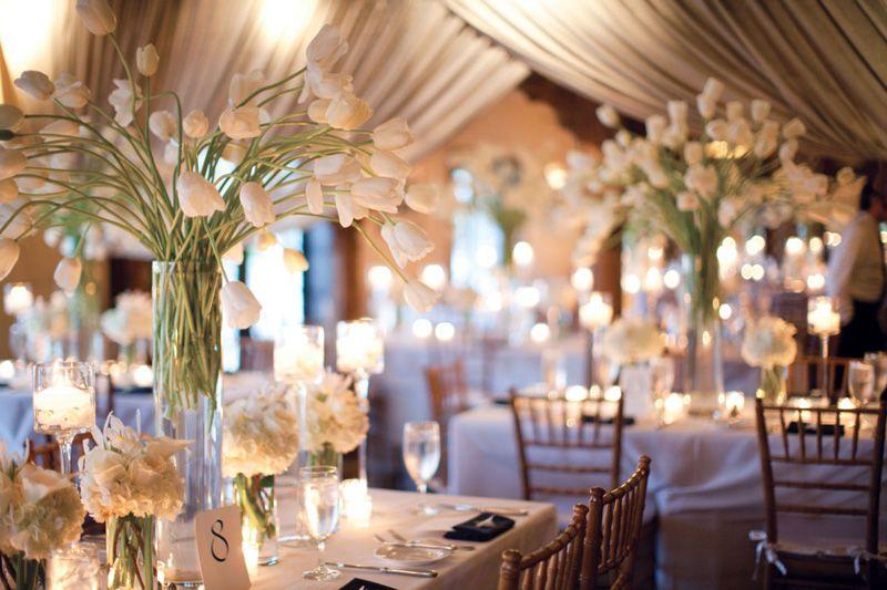 oformlenie-svadebnogo-zala-cvetami