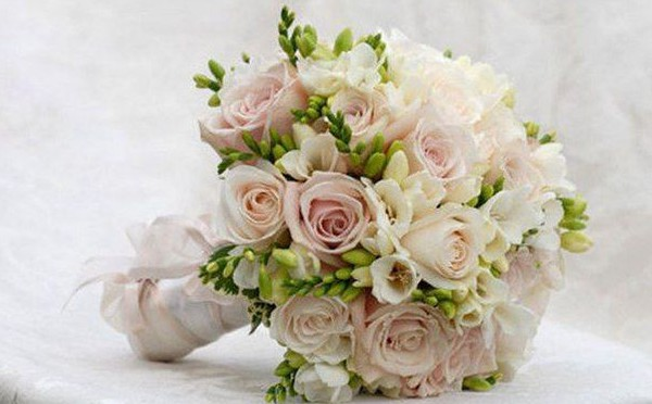 svadebnaya-floristika-oformlenie-svadby-cvetami-2