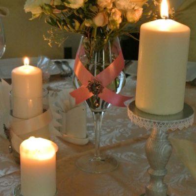 svechi_na_stole